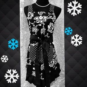 Other - Beautiful Retro Apron! ❄️Perfect for the Holidays!